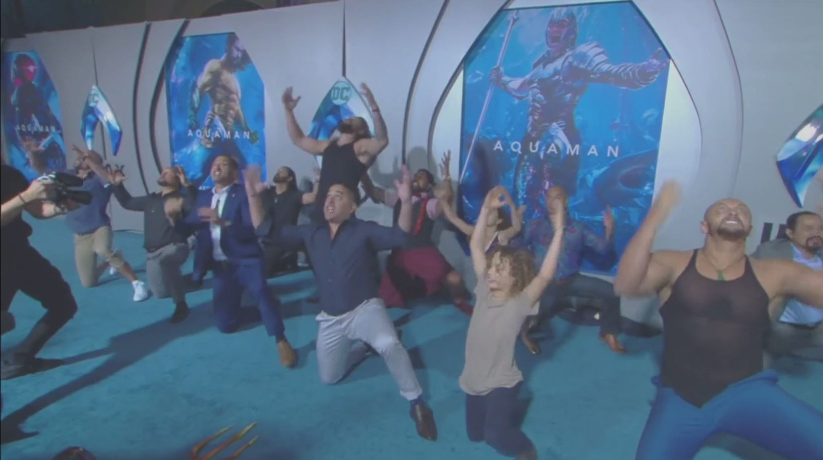 Aquaman star Jason Momoa performs Haka on Hollywood red carpet