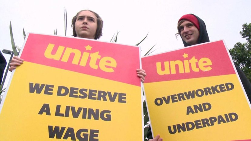 Picket Support For HOYTS Staff Threatened With Lock Out
