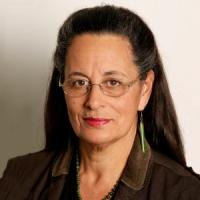 Dr Cathy Dewes