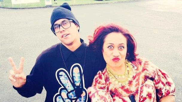 Selfie: Miss Kihi raua ko hoa
