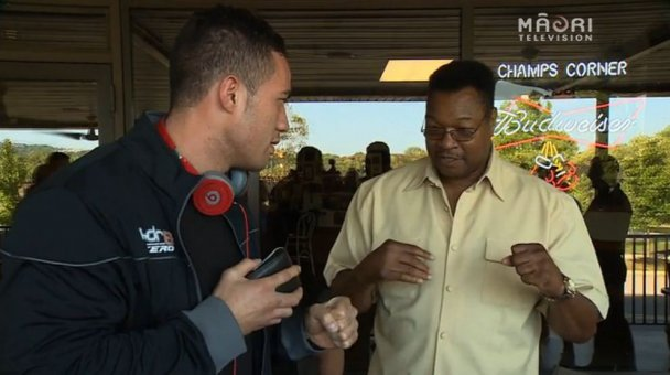 Parker gets pointers from former world champ, Larry Holmes