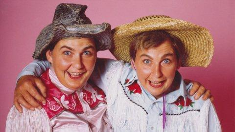 The Topp Twins - Do Not Adjust Your Twinset