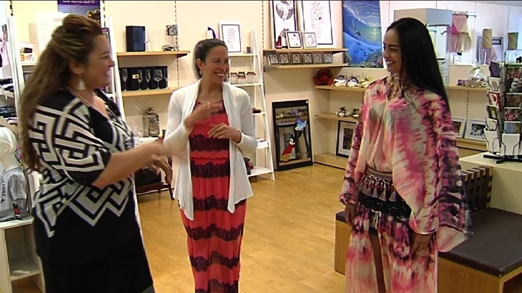 MWS INT young lady models dress for Mereana and Kahurangi