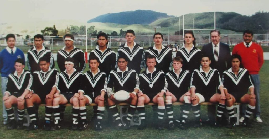 1989 Schoolboys Kiwis Team.  Captain James Waikai centre middle holding ball.