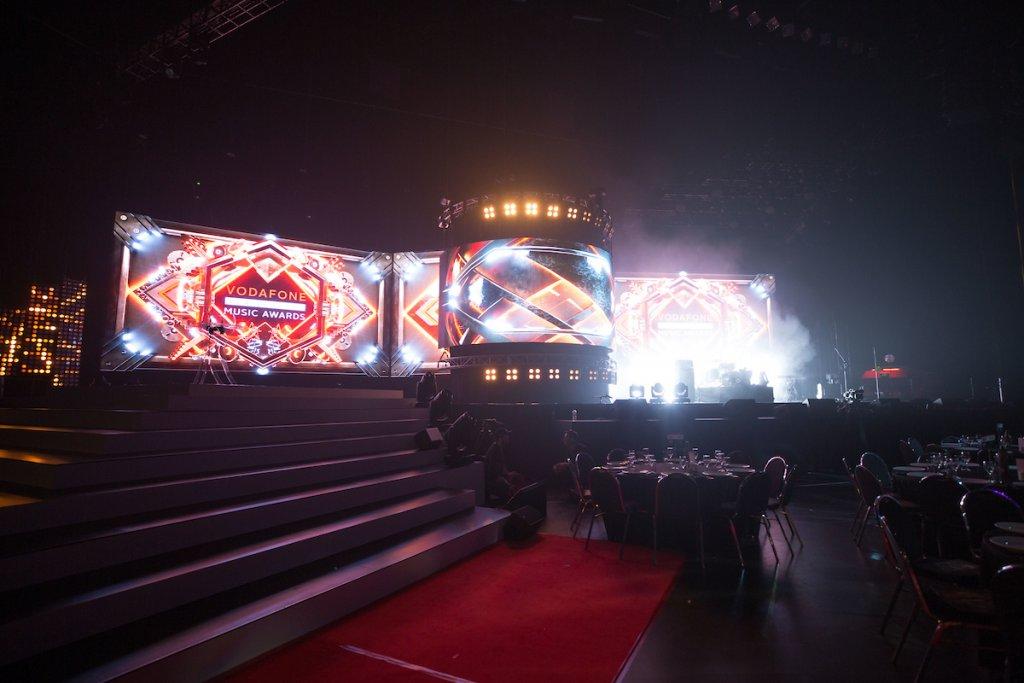 VNZMA Inside Arena - Topic/ Hannah Rolfe