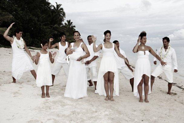 The Winitana whānau on the beach
