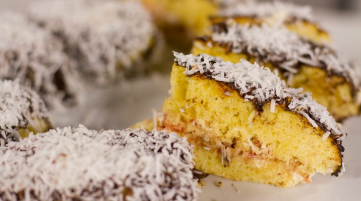 Whānau Bake Off - Chocolate Lamingtons