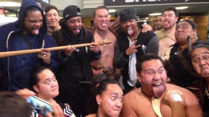 Bone Thugs-n-Harmony & KaiHaka members - Photo / file