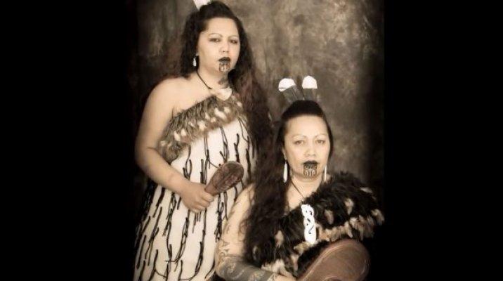 Peggy Glover & Hokimate Pehi - Photo/NZ Native Art Portraits