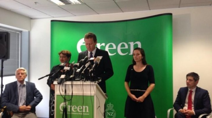 Russel Norman announces intention to resign