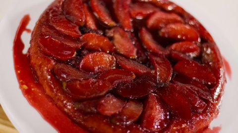 Apple & Berry Tarte Tatin - Whānau Bake Off