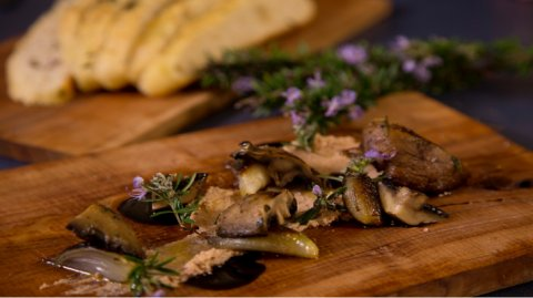 Chicken mousse and mushrooms