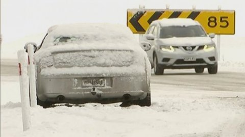 Cars trapped between Napier-Taupō rescued today - Photo / File